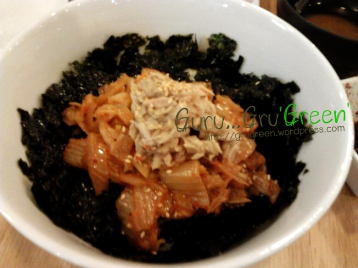 ข้าวหน้ากิมจิผัดกับทูน่า(Kimchi Chamchi Deopbab)