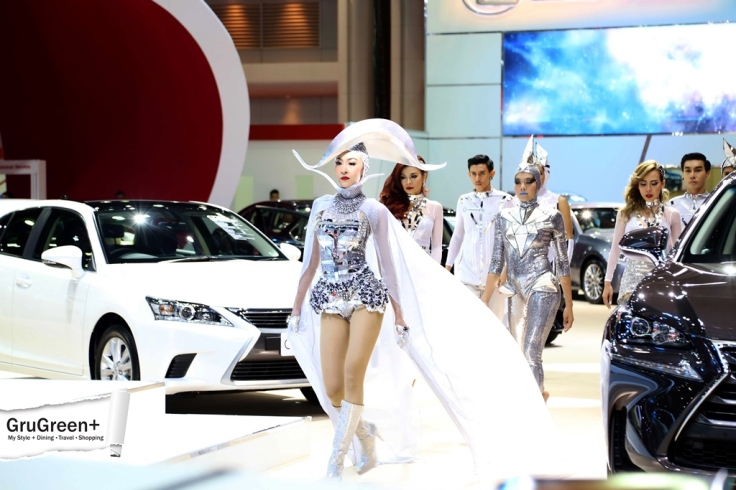 The_Bangkok_International_Motor_Show_2015_LEXUS_Booth (2)