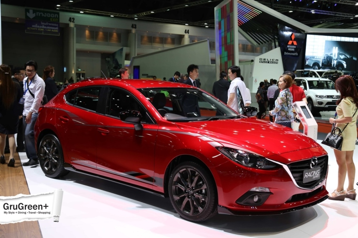 The_Bangkok_International_Motor_Show_2015_Mazda_Booth (1)