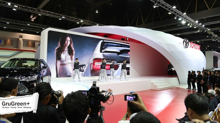 The_Bangkok_International_Motor_Show_2015_Toyota_Booth (2)